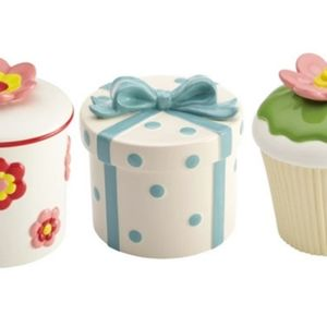 Cake Boss Cookie Jars, Pouring Bowl, Cake stand